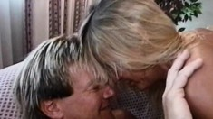 Kinky young Anna gets wet while letting in a throbbing love muscle