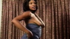 Stunning Ebony Model Enjoys Playing With Her Cooch For The Camera