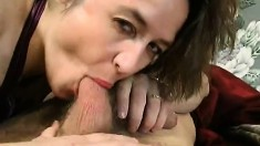 Watch Teen Amateur Lesbo Hairy Pussy