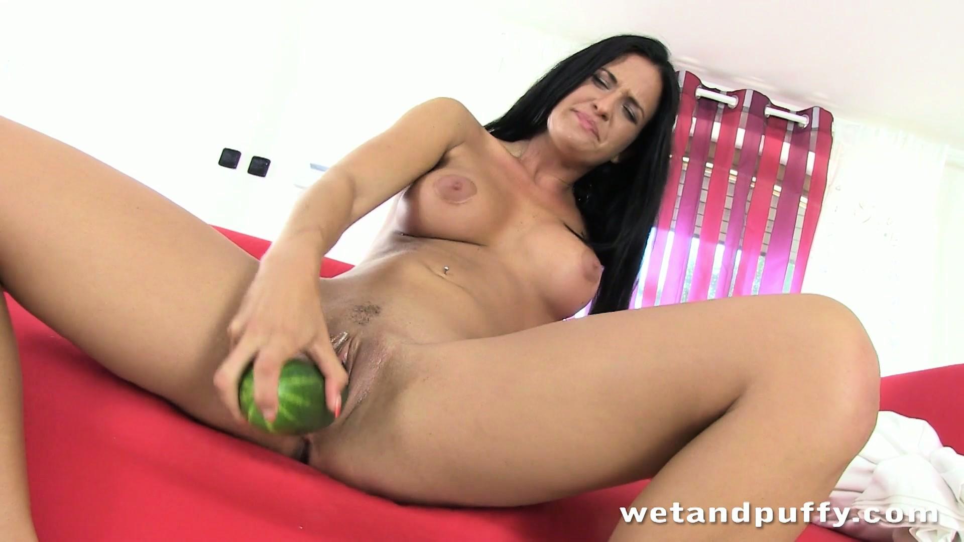 Meximilf gabby quinteros loves sophie dee tits