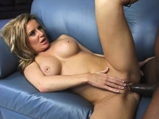 Blonde milf carola fucked in a threesome