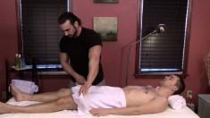 videos de masajes sexuales besos gay