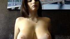 slut nyxii flashing boobs on live webcam