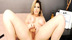 Mature Blonde Spreads Her Pink Pussy Wide Live