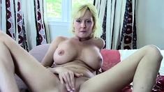 Blonde Amateur Mom JOI